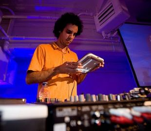Four Tet in the mix